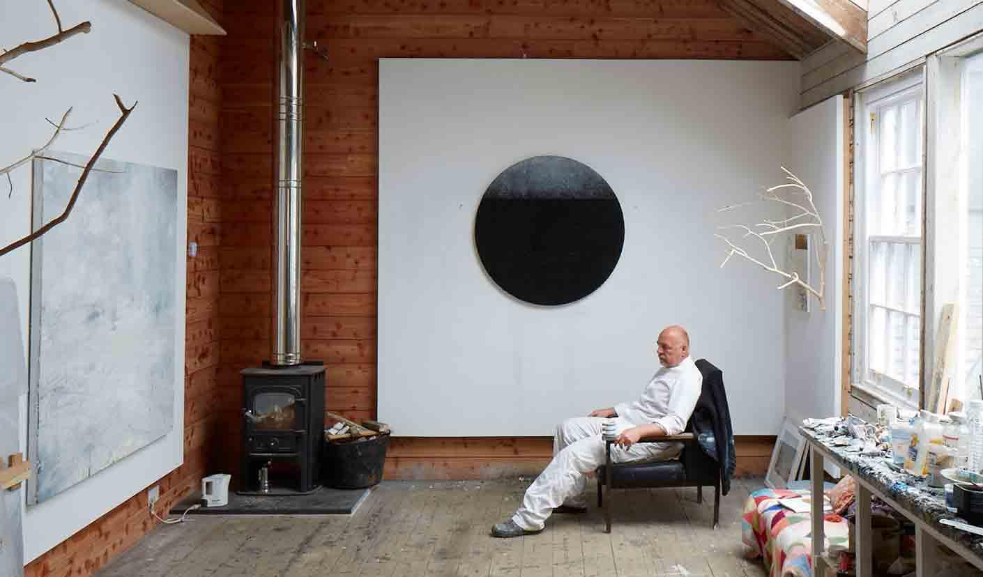Gareth Edwards artist in his studio