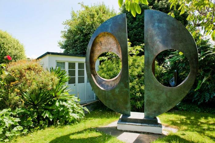 Barbera Hepworth sculpture at Tate St Ives